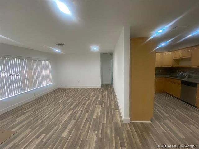 Academy Award Sec 4 for Sale - 3811 NW 7th Ct, Lauderhill 33311, photo 4 of 14