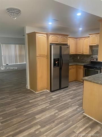 Academy Award Sec 4 for Sale - 3811 NW 7th Ct, Lauderhill 33311, photo 6 of 14