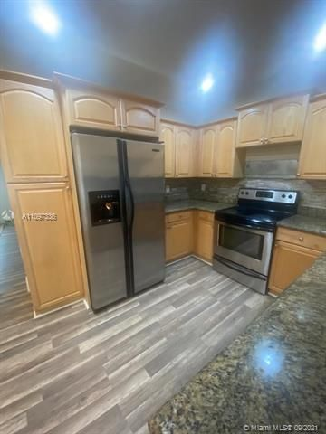 Academy Award Sec 4 for Sale - 3811 NW 7th Ct, Lauderhill 33311, photo 7 of 14