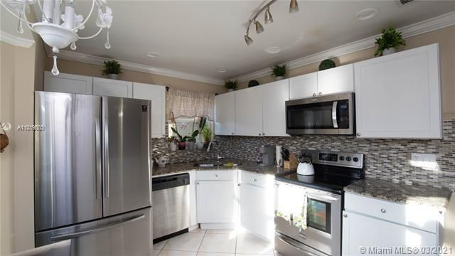 Winston Park Sec 1 for Sale - 5541 NW 50th Ave, Coconut Creek 33073, photo 16 of 39