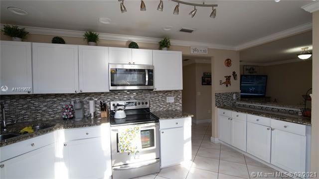 Winston Park Sec 1 for Sale - 5541 NW 50th Ave, Coconut Creek 33073, photo 18 of 39
