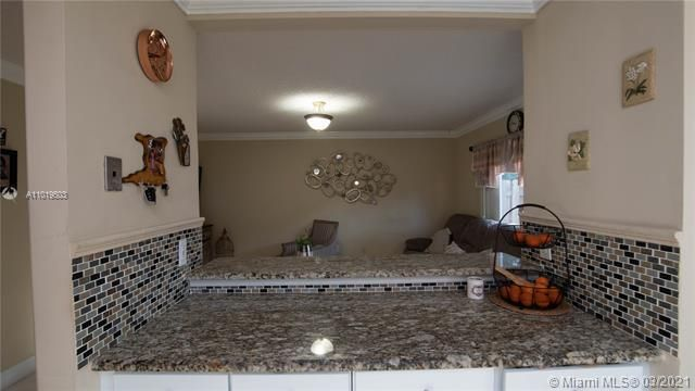 Winston Park Sec 1 for Sale - 5541 NW 50th Ave, Coconut Creek 33073, photo 19 of 39