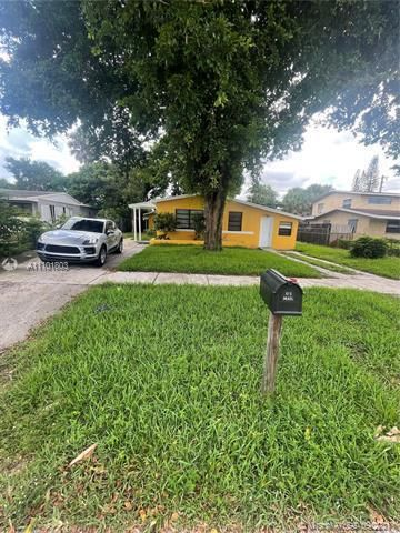 Sunrise Heights for Sale - 3380 NW 8th Pl, Lauderhill 33311, photo 2 of 13