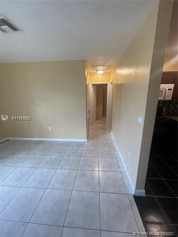 Sunrise Heights for Sale - 3380 NW 8th Pl, Lauderhill 33311, photo 4 of 13