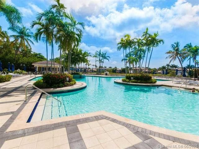 Atlantic I for Sale - 21200 Point Pl, Unit 402, Aventura 33180, photo 4 of 14
