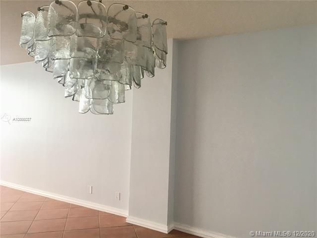 Sea Air Towers for Sale - 3725 S Ocean Dr, Unit 601, Hollywood 33019, photo 2 of 24