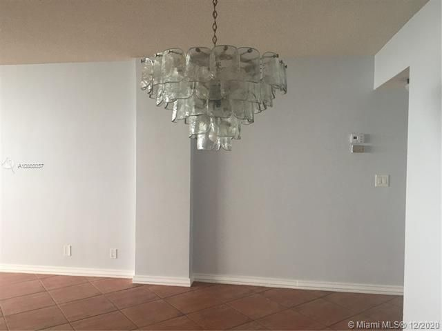 Sea Air Towers for Sale - 3725 S Ocean Dr, Unit 601, Hollywood 33019, photo 6 of 24