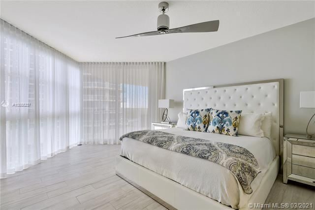 Renaissance On The Ocean for Sale - 6051 N Ocean Dr, Unit 1002, Hollywood 33019, photo 8 of 25