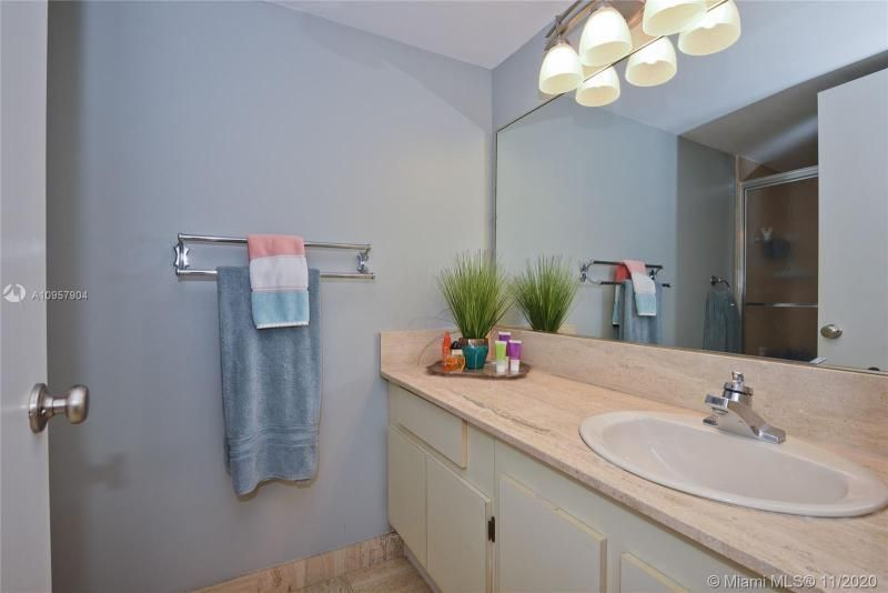Summit for Sale - 1201 S Ocean Dr, Unit 2508N, Hollywood 33019, photo 15 of 38