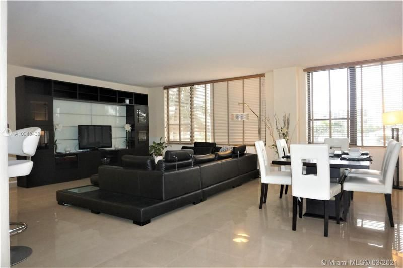 Alexander Towers for Sale - 3505 S Ocean Dr, Unit 205, Hollywood 33019, photo 11 of 24