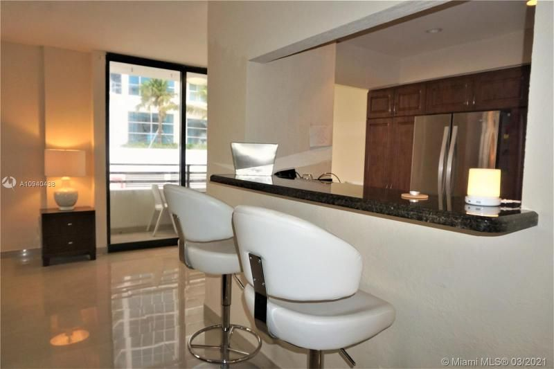 Alexander Towers for Sale - 3505 S Ocean Dr, Unit 205, Hollywood 33019, photo 12 of 24