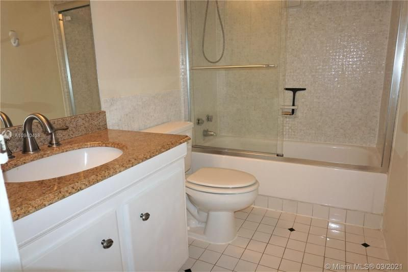 Alexander Towers for Sale - 3505 S Ocean Dr, Unit 205, Hollywood 33019, photo 13 of 24