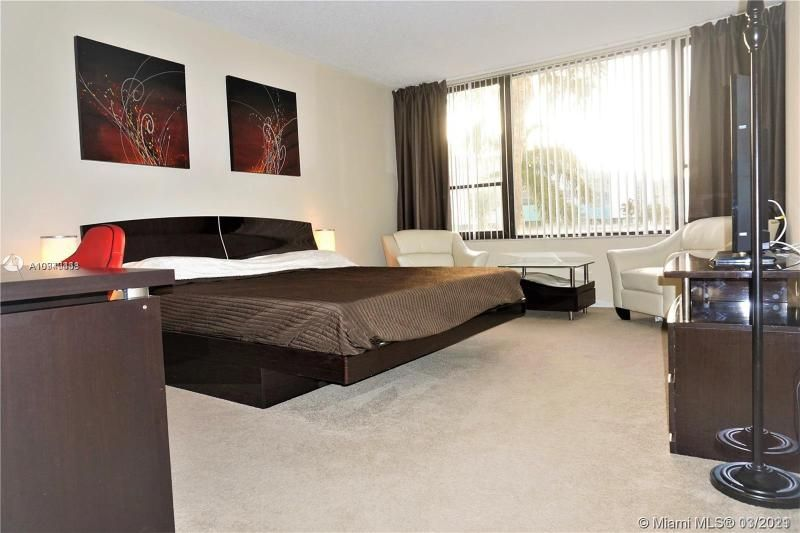 Alexander Towers for Sale - 3505 S Ocean Dr, Unit 205, Hollywood 33019, photo 16 of 24