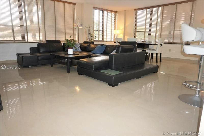Alexander Towers for Sale - 3505 S Ocean Dr, Unit 205, Hollywood 33019, photo 6 of 24
