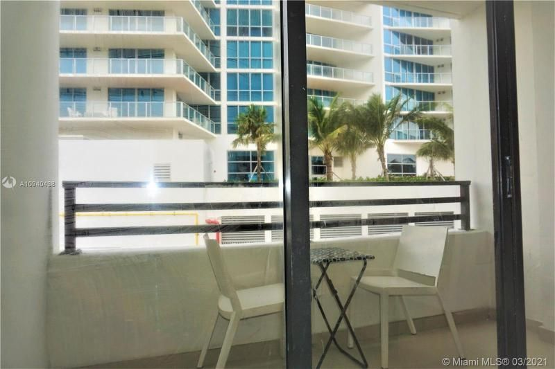 Alexander Towers for Sale - 3505 S Ocean Dr, Unit 205, Hollywood 33019, photo 8 of 24