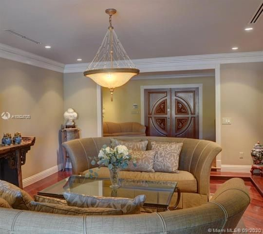 Diplomat Golf Estates for Sale - 1411 Diplomat Pkwy, Hollywood 33019, photo 11 of 52
