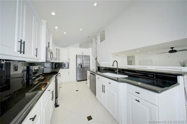 Riviera Isles for Sale - 17140 SW 49th Pl, Miramar 33027, photo 16 of 49