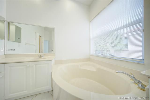Riviera Isles for Sale - 17140 SW 49th Pl, Miramar 33027, photo 34 of 49