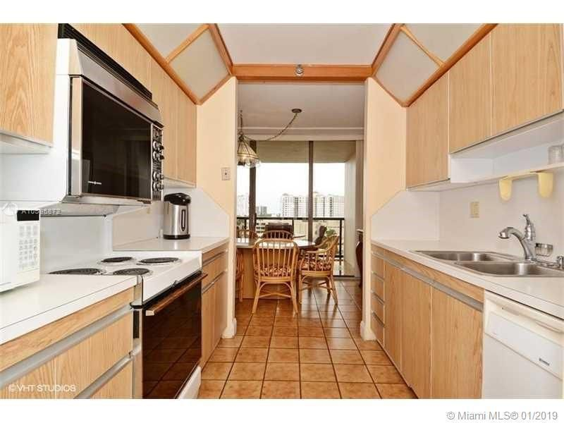 Turnberry Isle for Sale - 19667 Turnberry Way, Unit 7-G, Aventura 33180, photo 4 of 22