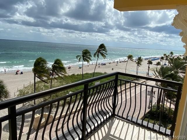 La Playa for Sale - 1815 N Surf Rd, Unit 501, Hollywood 33019, photo 3 of 11