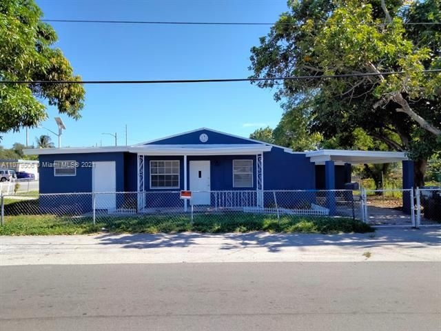 Paradise Manor for Sale - 525 SW 1st St, Dania 33004, photo 1 of 17