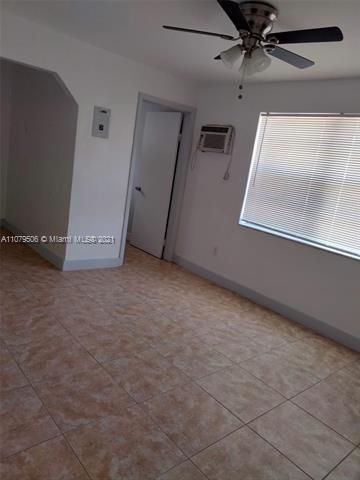 Paradise Manor for Sale - 525 SW 1st St, Dania 33004, photo 16 of 17