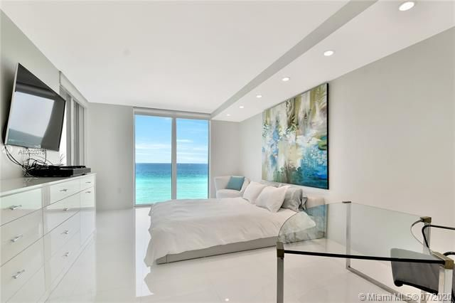Sands Pointe for Sale - 16711 Collins Ave, Unit 608, Sunny Isles 33160, photo 21 of 34