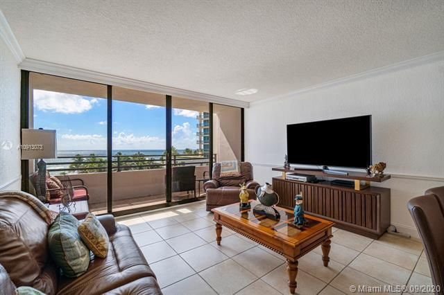 Alexander Towers for Sale - 3505 S Ocean Dr, Unit 520, Hollywood 33019, photo 10 of 44