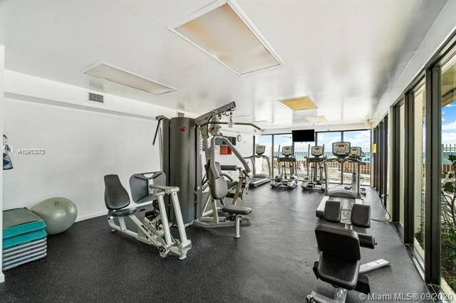 Alexander Towers for Sale - 3505 S Ocean Dr, Unit 520, Hollywood 33019, photo 31 of 44