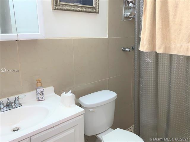 St James Park Delmar for Sale - 1302 SE 2nd Ave, Dania 33004, photo 12 of 20
