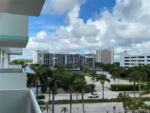 Sea Air Towers for Sale - 3725 S Ocean Dr, Unit 523, Hollywood 33019, photo 25 of 28