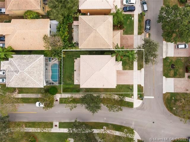 Regency Lakes At Coconut for Sale - 5039 Heron Ct, Coconut Creek 33073, photo 10 of 37