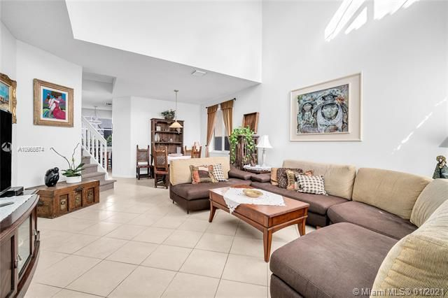 Regency Lakes At Coconut for Sale - 5039 Heron Ct, Coconut Creek 33073, photo 11 of 37
