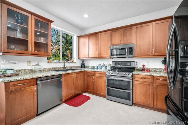 Regency Lakes At Coconut for Sale - 5039 Heron Ct, Coconut Creek 33073, photo 16 of 37