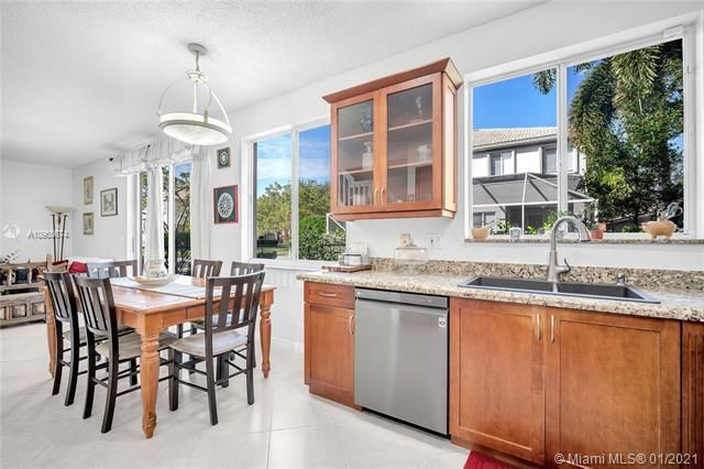 Regency Lakes At Coconut for Sale - 5039 Heron Ct, Coconut Creek 33073, photo 17 of 37
