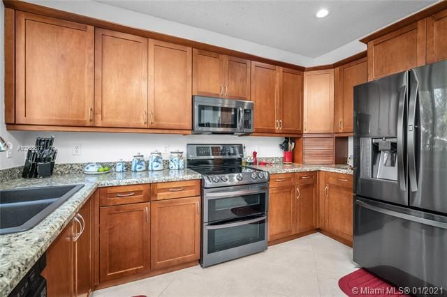 Regency Lakes At Coconut for Sale - 5039 Heron Ct, Coconut Creek 33073, photo 18 of 37