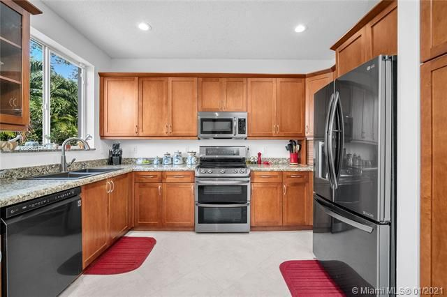 Regency Lakes At Coconut for Sale - 5039 Heron Ct, Coconut Creek 33073, photo 19 of 37