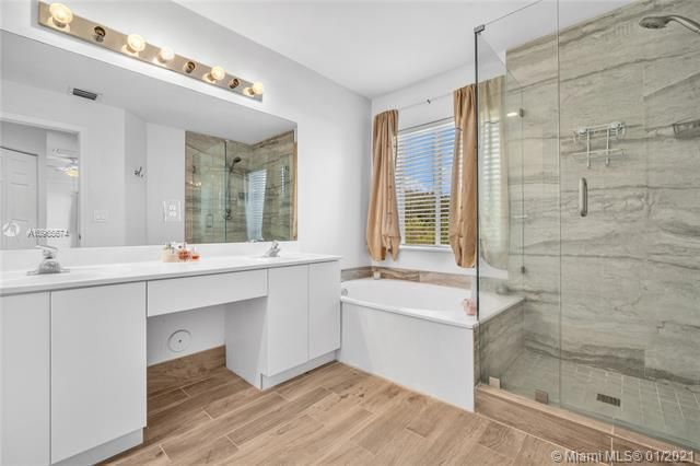 Regency Lakes At Coconut for Sale - 5039 Heron Ct, Coconut Creek 33073, photo 27 of 37