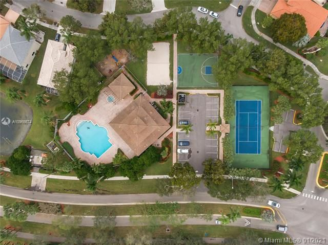 Regency Lakes At Coconut for Sale - 5039 Heron Ct, Coconut Creek 33073, photo 36 of 37