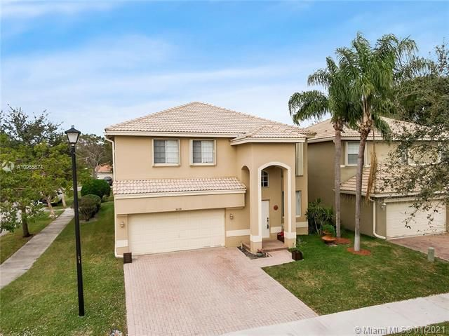 Regency Lakes At Coconut for Sale - 5039 Heron Ct, Coconut Creek 33073, photo 4 of 37