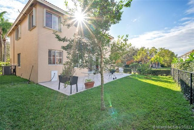 Regency Lakes At Coconut for Sale - 5039 Heron Ct, Coconut Creek 33073, photo 6 of 37