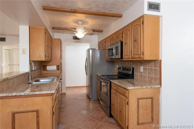 Parc Court for Sale - 9251 NW 9th Pl, Unit 9251, Plantation 33324, photo 8 of 52