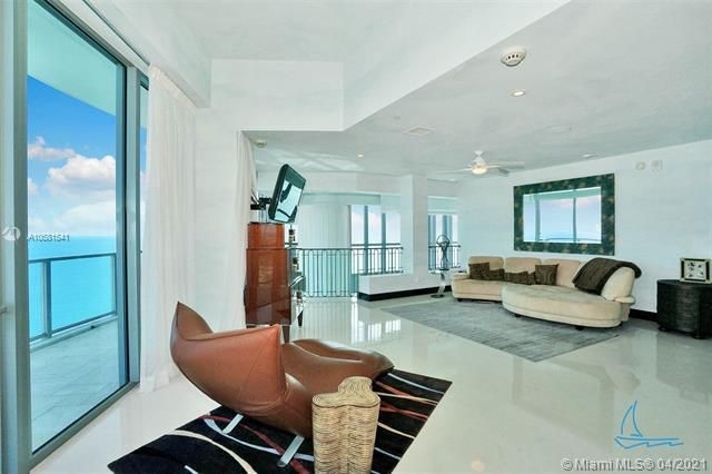 Ocean Palms for Sale - 3101 S Ocean Dr, Unit PH-08, Hollywood 33019, photo 33 of 55