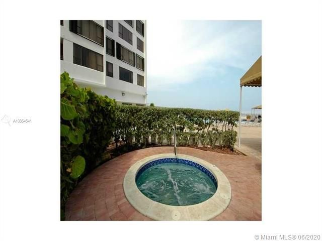 Alexander Towers for Sale - 3505 S Ocean Dr, Unit 918, Hollywood 33019, photo 12 of 15