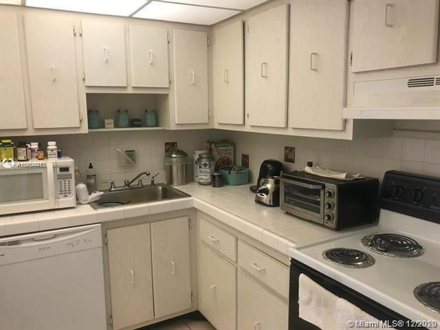 Coronado for Sale - 20379 W Country Club Dr, Unit 937, Aventura 33180, photo 8 of 22