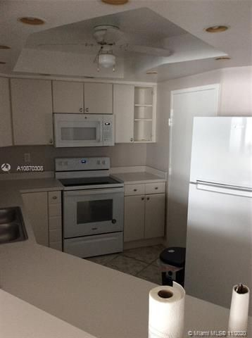 Sea Air Towers for Sale - 3725 S Ocean Dr, Unit 1115, Hollywood 33019, photo 13 of 16