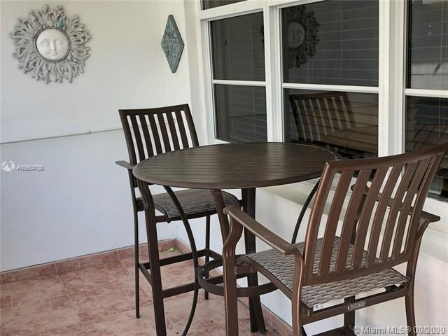 Sea Air Towers for Sale - 3725 S Ocean Dr, Unit 811, Hollywood 33019, photo 18 of 29