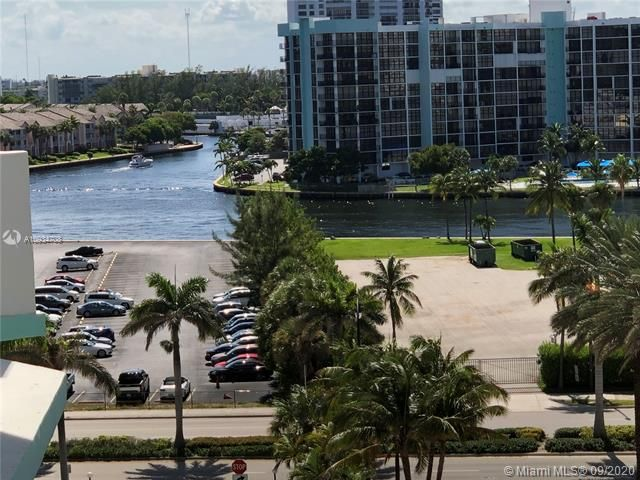 Sea Air Towers for Sale - 3725 S Ocean Dr, Unit 811, Hollywood 33019, photo 19 of 29