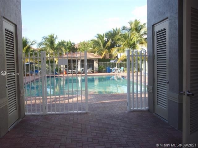 Leeward Islands for Sale - 10720 NW 82nd Ter, Unit 1-8, Doral 33178, photo 10 of 11