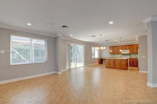 Regency Lakes At Coconut for Sale - 5032 Heron, Coconut Creek 33073, photo 10 of 63